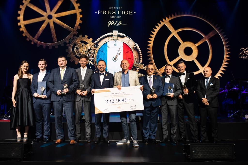 Laureaci jaskolek Odpowiedzialnosci IV edycji akcji lesaffre Prestige Group